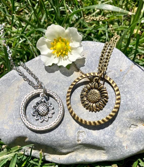 Flower Necklaces. Women's Jewelry. Men's Jewelry Bohemian. Flower Power. Boho Chic. Hippie.