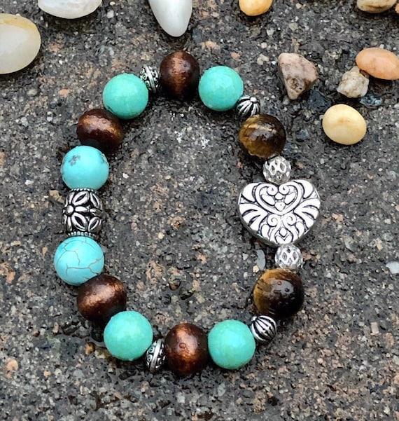 Heart Bracelet. Women's Bracelet. Gift For Her. Boho Bohemian Beachy. Summer summery