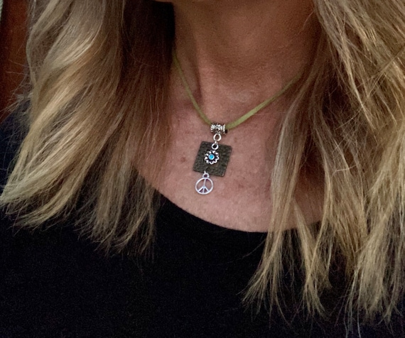 Flower & Peace Sign Necklace. Women's Jewelry. Bohemian. Boho Chic. Hippie.