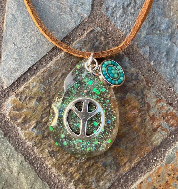 Peace Sign Necklace. Women's Jewelry. Bohemian. Flower Power. Resin. Boho Chic. Hippie.