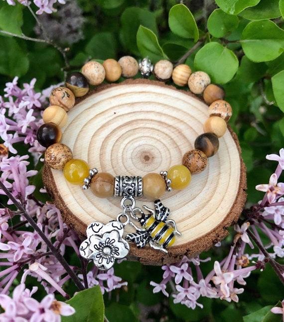 Bee & Flower Charm Bracelet. Womens Bracelet. Gift for her. Nature. Bohochic. Bohemian. Boho. Bee Happy