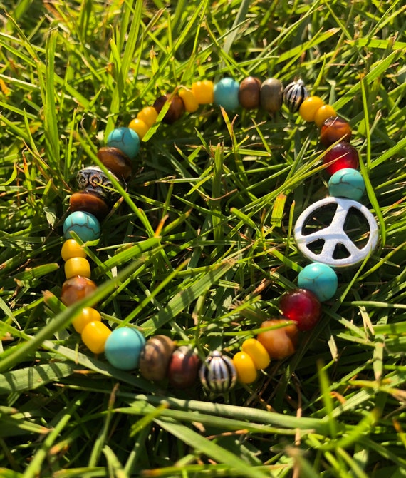 Peace Sign Bracelet. Womens Bracelet/Gift for her/BOHO Bracelet. Boho Chic. Good Vibes