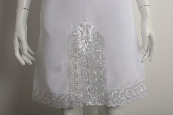Vintage 90s white slip dress with floral guipure … - image 4