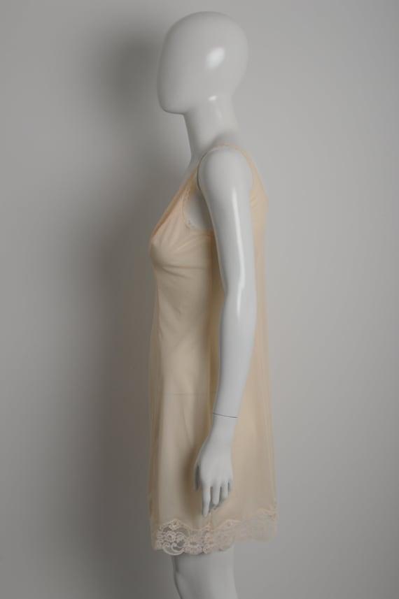 Vintage 60s MARGRET light peach slip dress with f… - image 7