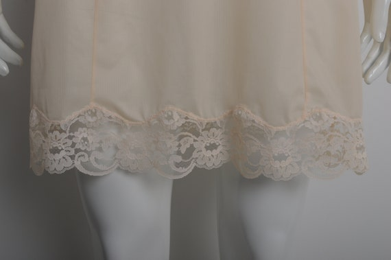 Vintage 60s MARGRET light peach slip dress with f… - image 3