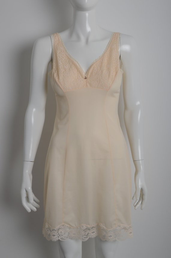 Vintage 60s MARGRET light peach slip dress with f… - image 6