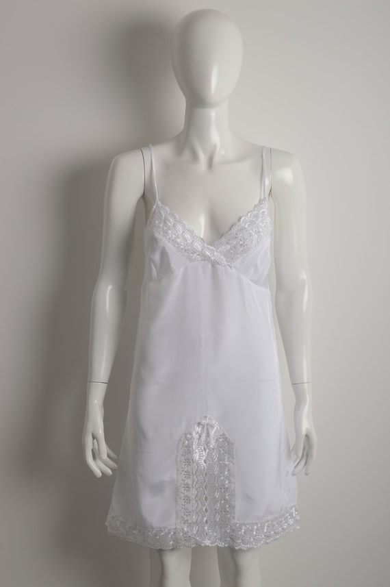Vintage 90s white slip dress with floral guipure … - image 3