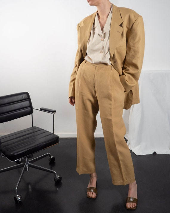 Vintage Matching Two Piece Pant Suit of Linen in … - image 4