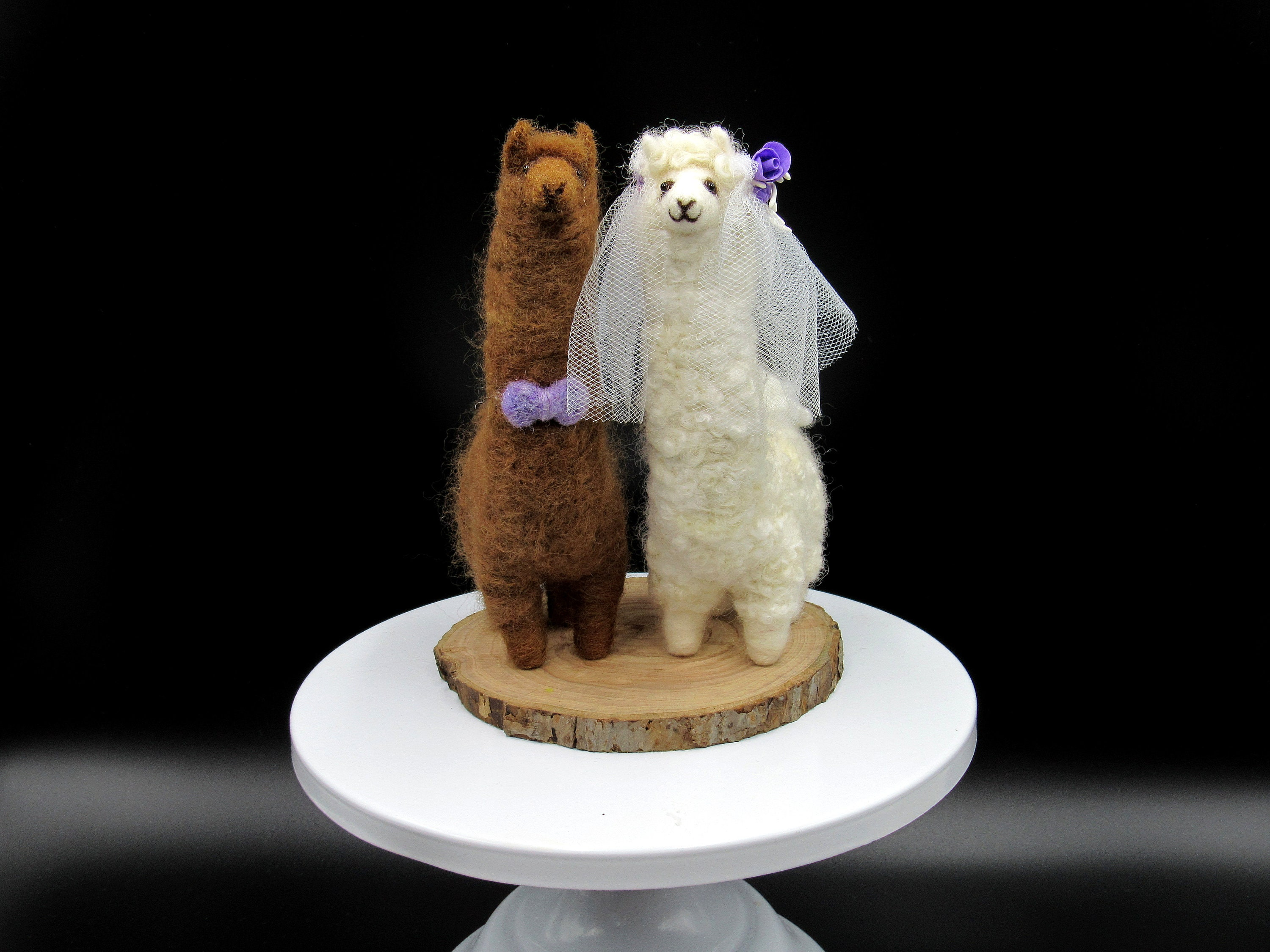 Alpaca Wedding cake toppers Brown groom and white bride | Etsy