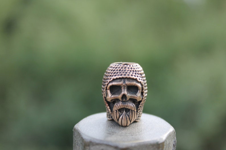 Paracord bead Knight/'s Skull EDC bead in bronze keychain bead