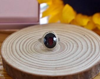 Vintage 18K White Gold Art Deco Imitation Ruby Ring
