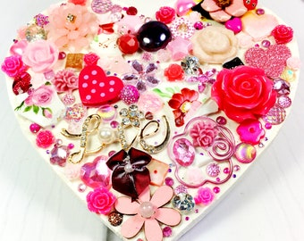 Craft Kit - Jewelled Heart, use gems buttons and rhinestones to create a sparkly heart decoration