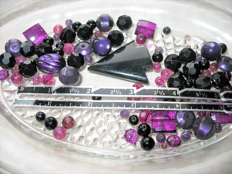 Vintage Supply Beads The Stroke of Midnight Purple /& Black Mixed Sizes Shapes Recycle Upcycle Art Craft Jewelry Salvaged Junk Drawer