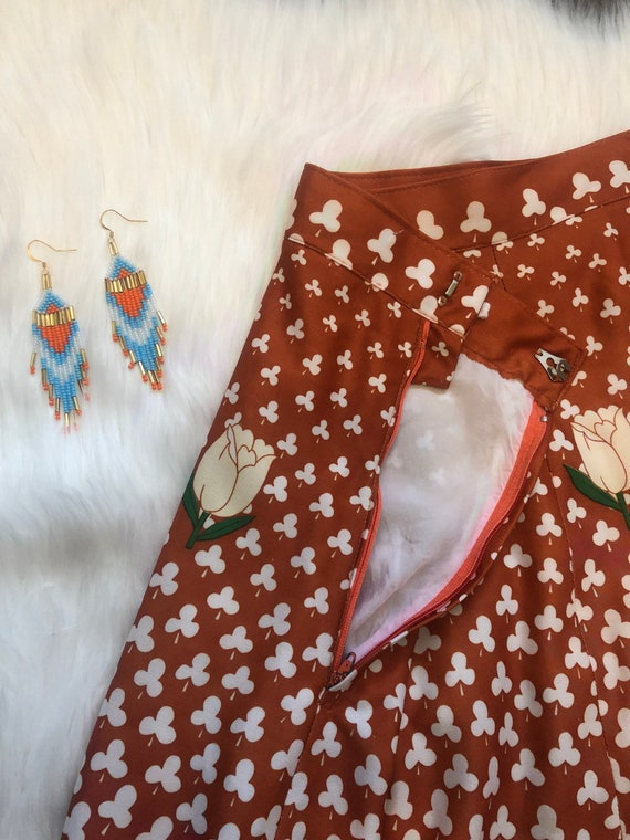 1970s Novelty Print Skirt - Clover and Tulip Nove… - image 4