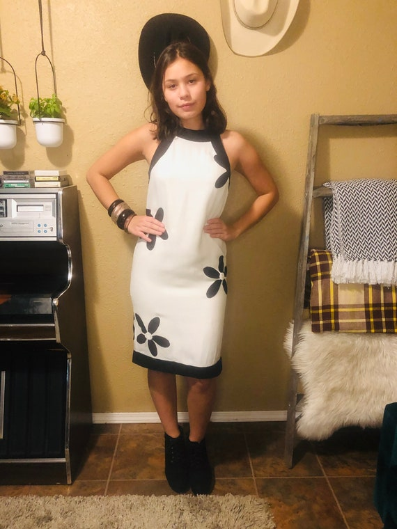 Vintage Mod Floral Dress - Black and White Mod Dre