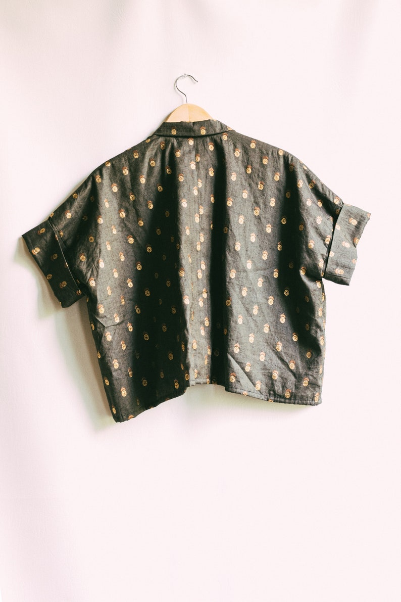 Wide sleeve short sleeve Indian fabric with gold pattern PERSEUS