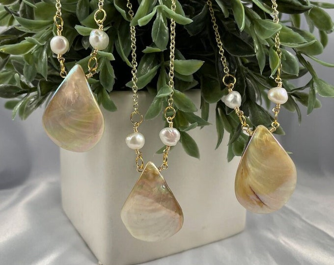 Teardrop Shell and Freshwater Pearl Necklace, Shell Necklace, Shell, Freshwater Pearl, Pearl, Pearl Necklace, Shell Jewelry, Gifts for her