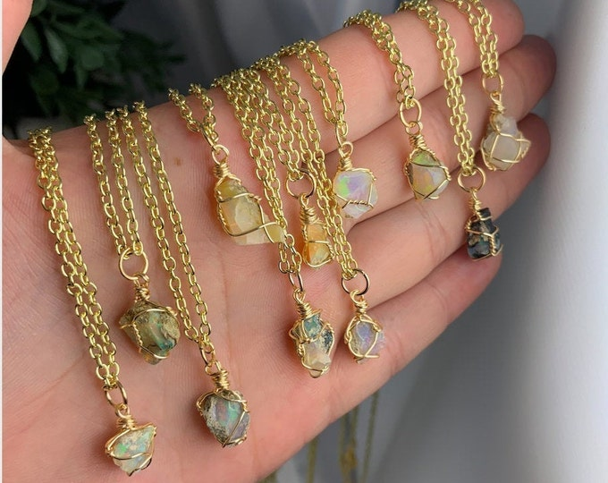 Small Welo Opal Gold Necklace