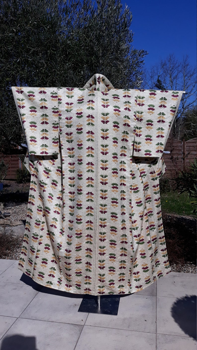 Antique Secondhand Vintage Japanese Kimono Beige Silk