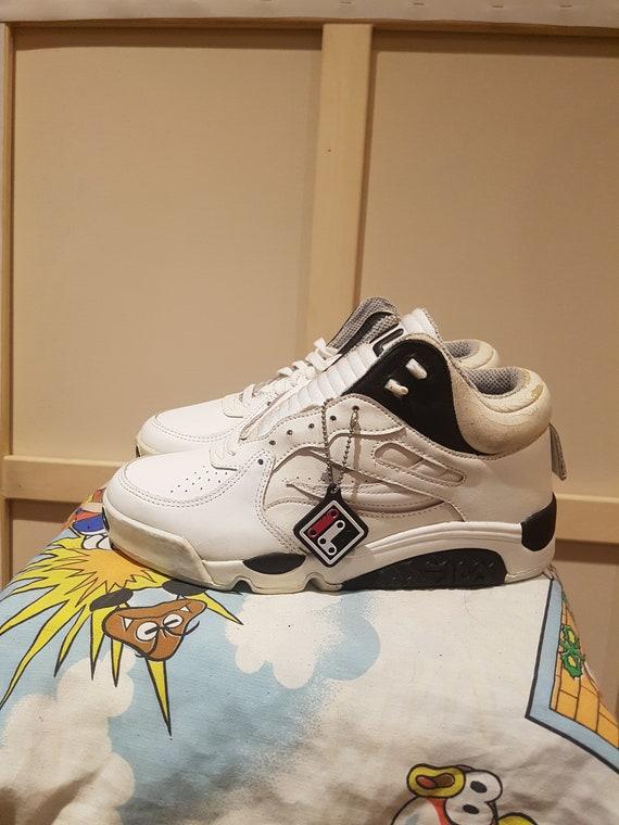 Vintage FILA Shoes Basketball Sneaker Running 90s FILA Basketball Runner 90s Clothing  90s Clothing
