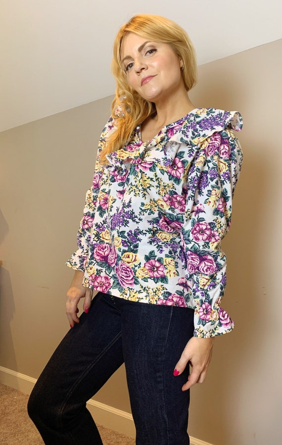 Amazing 80s floral ruffle blouse