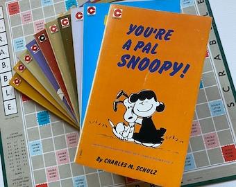 Snoopy Peanuts 31 - 40 Vintage Peanuts Comic PaperBack Books - Charles M Schulz 1974 - 1982 Charlie Brown - Snoopy Comic Lovers