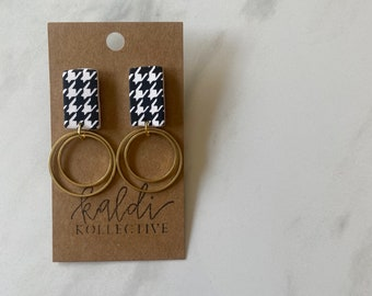 E L I Z A B E T H in houndstooth // handmade polymer clay earrings