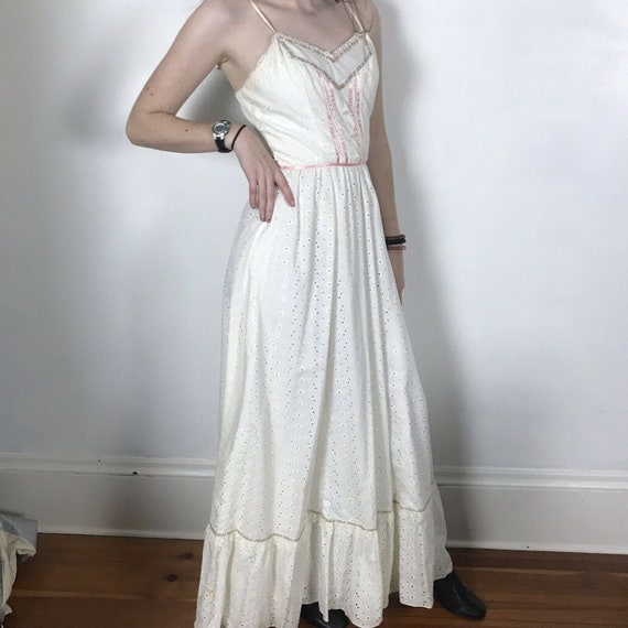 Vintage Candi Jones California White Eyelet Maxi D