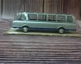 ZIL-118K Yunost jeunesse soviétique Microbus année 1970 échelle 1:43 de Collection Modèle Voiture