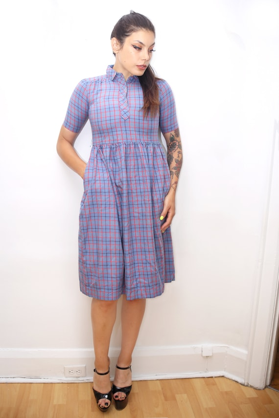 1970s Vintage - Plaid Peter Pan Collared Day Dress