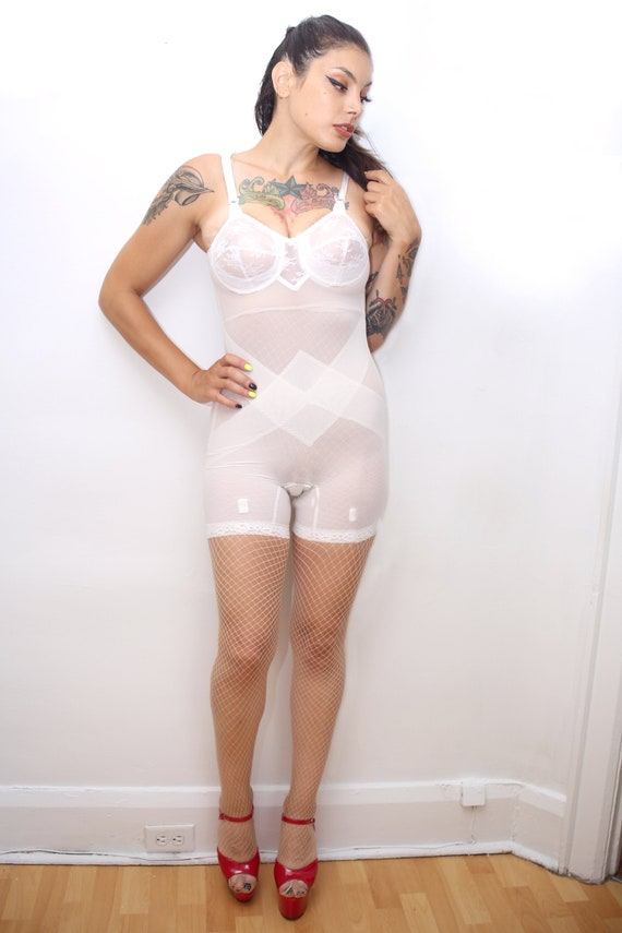 1960s Vintage - White Shapewear Structured Bodysui