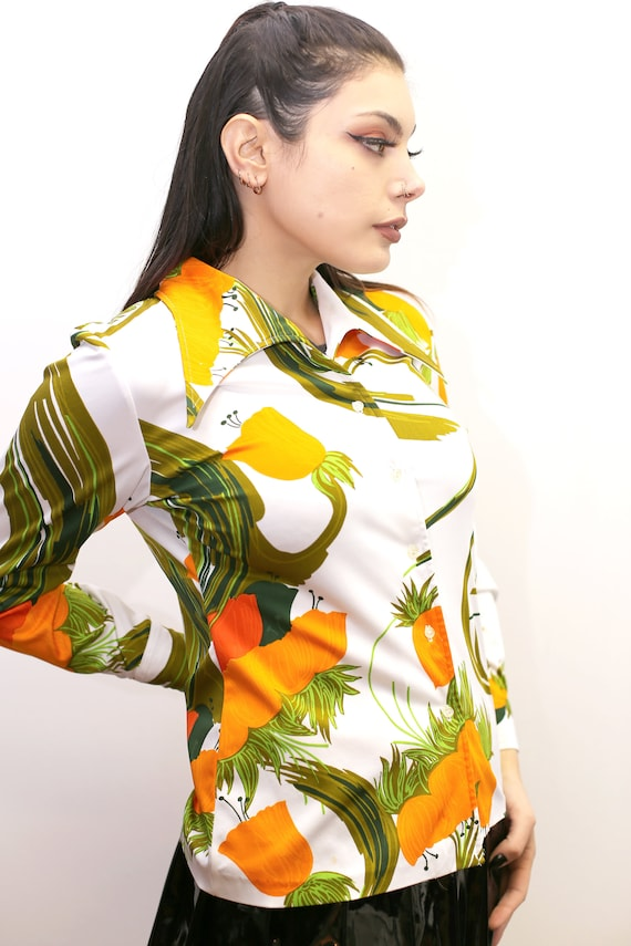 1970's Vintage - Floral Collared Button Up Shirt