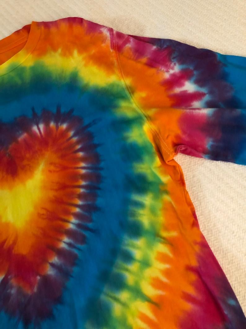 Tie dye heart tie-shirt