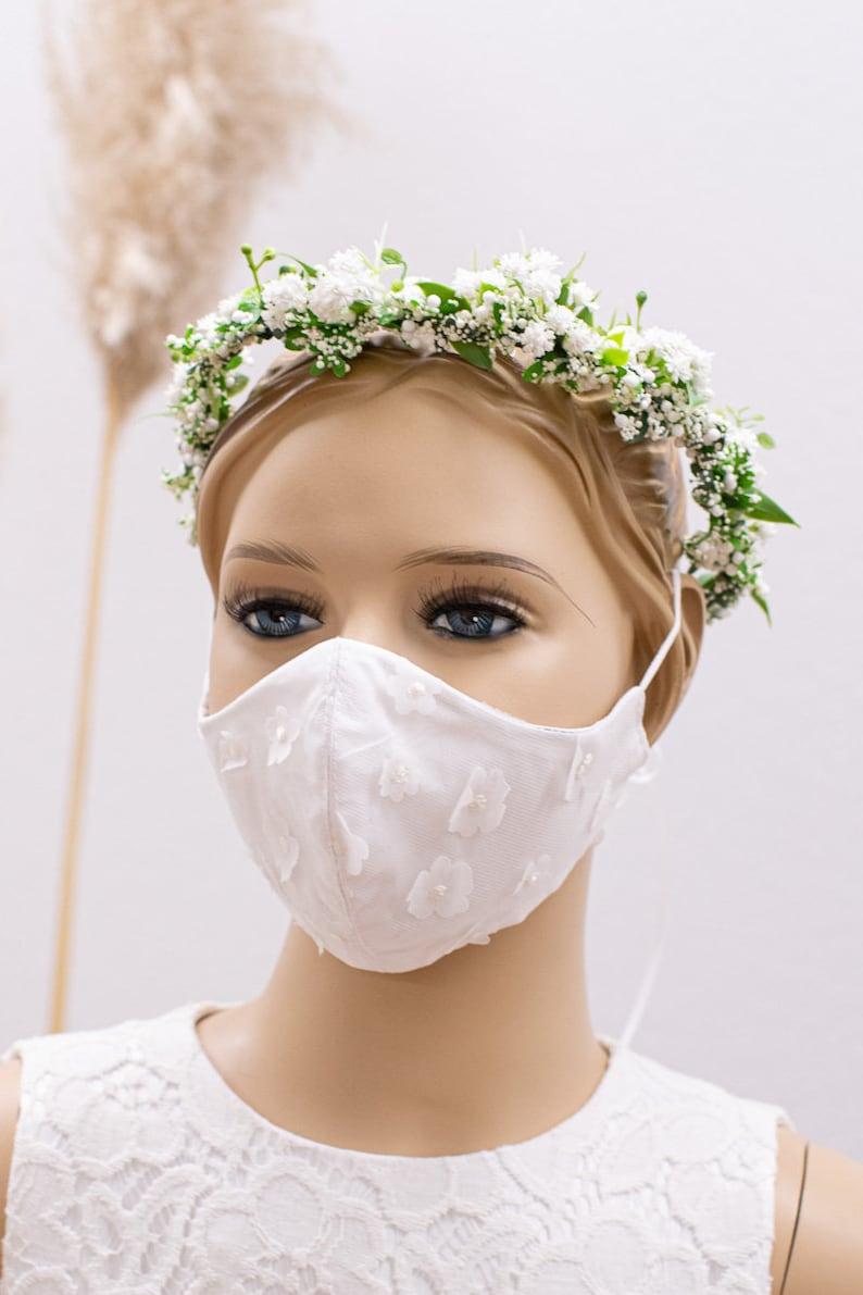 Brautmaske mit Blumen