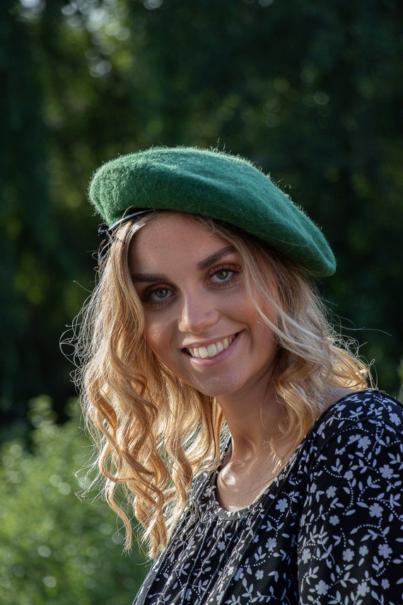 Vintage Green Beret w Bow  70/'s Vtg Accessories 80/'s Deep Green Wool Hat
