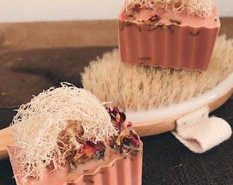 2Pack Rose Clay Loofah Sponge Soap, Lavender and Patchouli Scented, Exfoliating Soap, Natural Loofahs