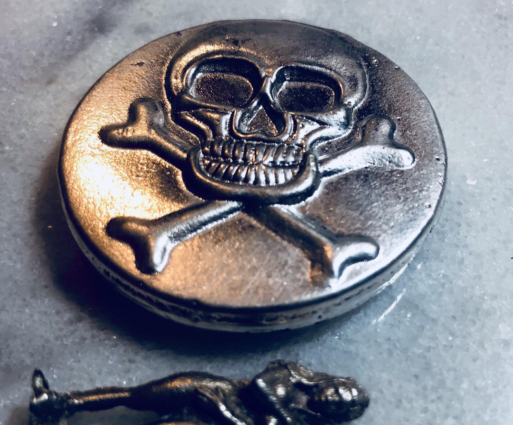 """1 Gram .999 Fine Solid Silver Round mini//coin /"""" PIRATE /"""""""