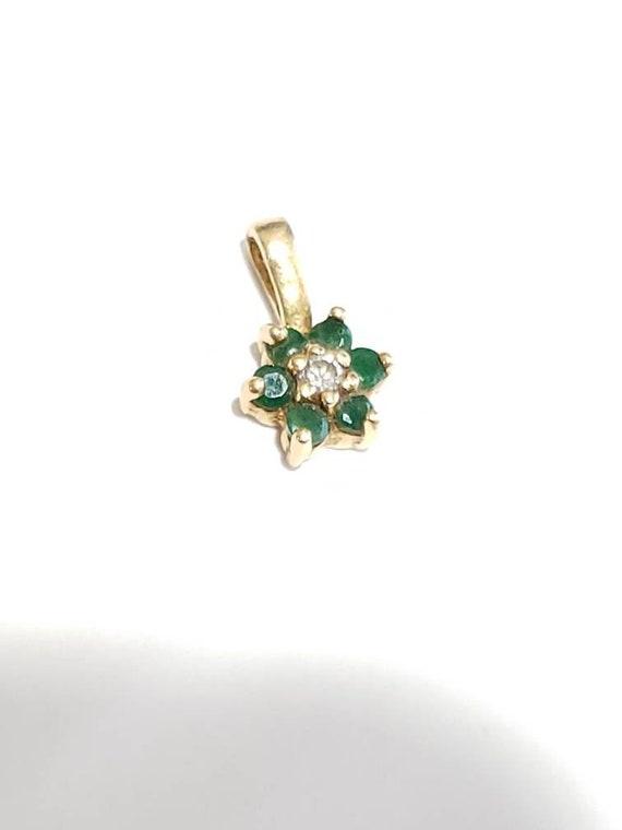 14K Emerald Diamond Flower Pendant / 14K Yellow Go