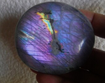 Labradorite 143.90Gr - violet and grey- oval pebble XL