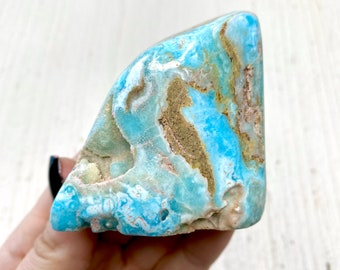 17.2cts 1 Piece Natural Hubei Turquoise Freeform Triangular Blue Cabochon 18.5mm x 15.3mm x 6.8mm Deep