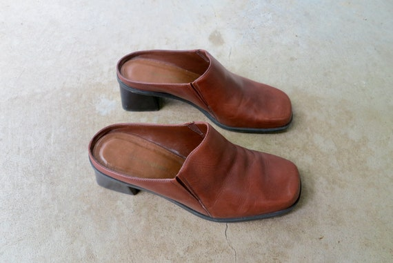 90s Brown Leather Mules   Modern Brown Leather Sl… - image 4