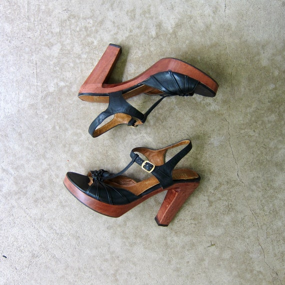 70s High Heel Leather Sandals | Wooden Heel Pumps