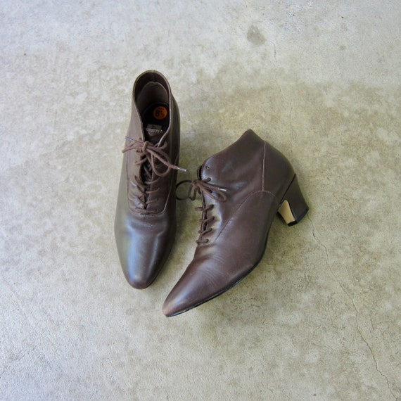 80s Leather Brown Lace Up Booties | Vintage Victor