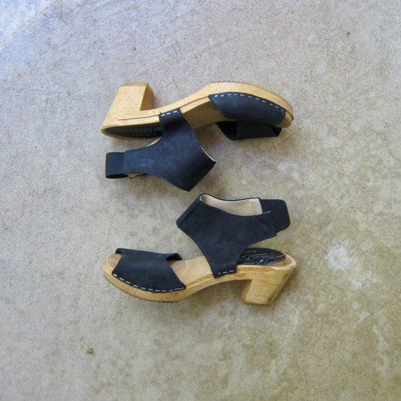 Moheda Vintage Clogs | Open Leather Black Clogs |
