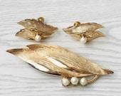 30 OFF Vintage Gold Plated Genuine Pearl Leaf Brooch Earring Set. Pearl Brooch, Pearl Earrings. Pearl Jewelry Set.