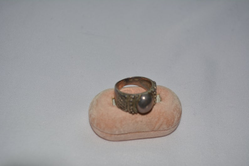 vintage sterling silver statement ring with large oval face beading and decorative ribbon design size 6 12  **M5