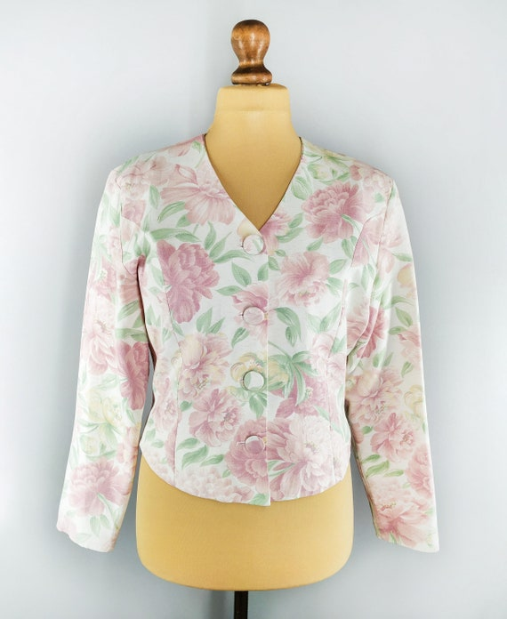 Vintage floral blazer in pastel colors