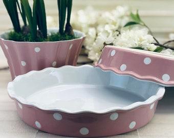 Quichett cake tin baking dish pink with white dots