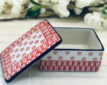 Butter bowl ceramic. 12.5 x 10 x 6 cm Handstamped Red