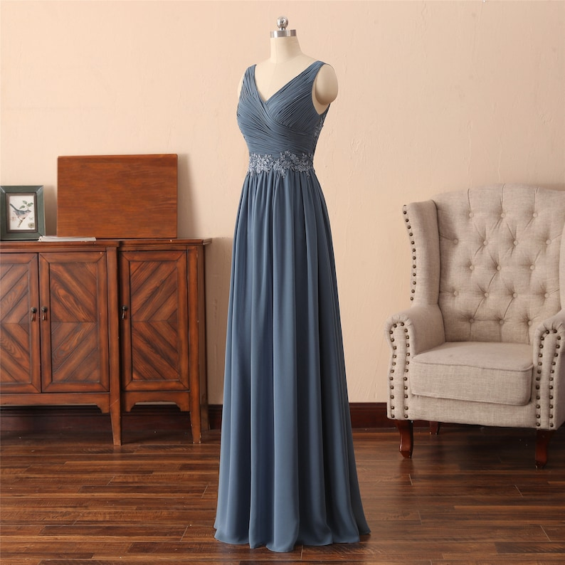 Dusty Blue Bridesmaid Dress with Appliques on the Waist Elegant Bridal Dress A-line long Wedding Dress Criss-Cross Top V-Neck Evening Dress
